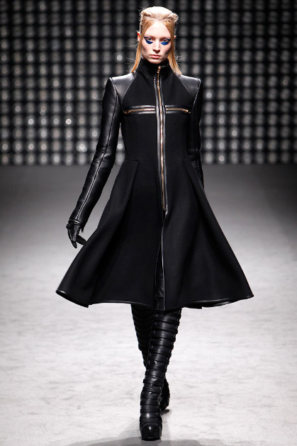 Gareth Pugh Fall 2011 Ready-to-Wear Collection