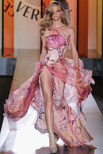 Versace Fall 2012 Couture Collection Runway Review
