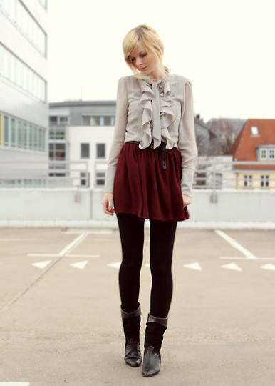 Baby I'm howlin for you  - Blouse, Zara, Boots, Weeken, Skirt, American Apparel, Jana Spaceman, Germany