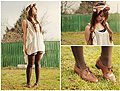 Petite fille perdue dans son jardin, part 1.  - Vintage shoes, Weeken,  top, H&M, Flying top, H&M, Helene Trinh, France
