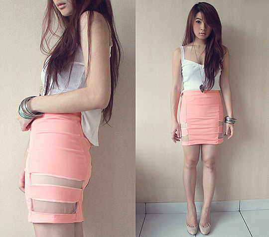 Something soft  - Leafs necklace, Weeken, Pumps,, GUESS, Bandage skirt, Weeken, Anastasia Siantar, Indonesia