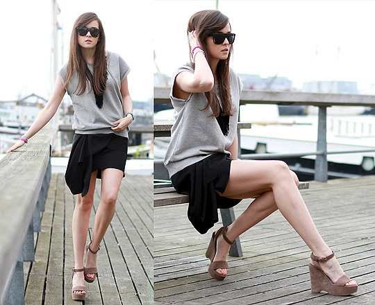 The perfect skirt. - SANDALS, Weeken, Skirt, Weeken, SWEATSHIRT, COS, Andy T, Mexico