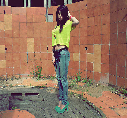 Neon Heart - Black belt, Zara, Neon Tee, H&M, Necklace, H&M, Iris Liesgen, Ireland