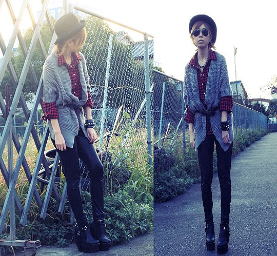 It's warmer for Autumn end - Check shirts, Weeken, Leather leggings, Zara, Asami Takata, Japan
