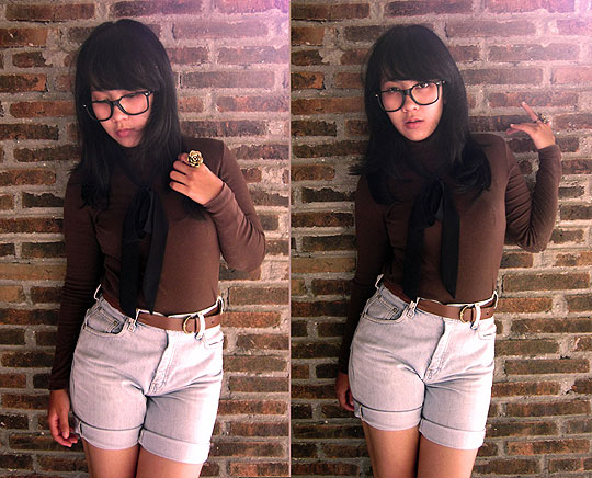 Look like a cowboy huh?? - Stonewash shorts jeans, Lois, Turtlenecks brown, Weeken, Flower rings, Weeken, Eka Ningtyas, Indonesia