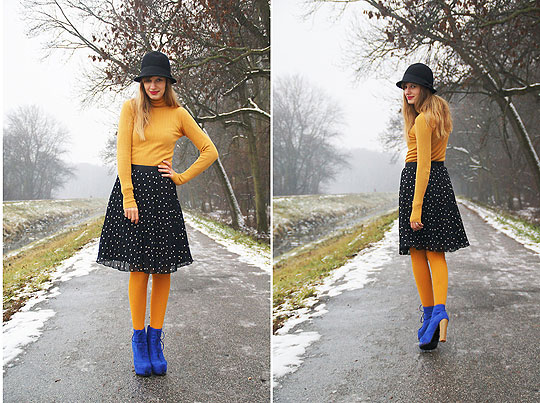 Black hat & pleated skirt - Skirt, H&M, Turtleneck sweater, Mango, Hat, Weeken, Blue suede shoes, Weeken, Mirka Germanova, Slovakia