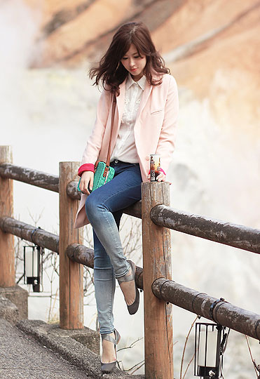 Hell valley of noboribetsu - Pink blazer, Weeken, Lace shirt, Weeken, Turquoise straw bag, Weeken, Dip dye jeans, Weeken, Mayo Wo, Hong Kong