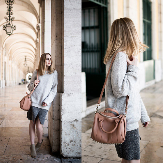 Soft tones. - SKIRT, BAG, y&hjeans, TIPHAINE P, Switzerland