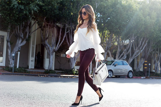 3 Reasons Why These Are The Jeans You Need This Fall - Jessica Alba Trimtone Ankle Jeans, Weeken, Amur Off The Shoulder Blouse, Weeken, Dotcom Leather Satchel, Weeken, Catalina Sunglasses, Weeken, Black Suede Pumps, Miu Miu, Jessi Malay