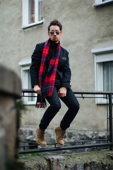 Checked scarf x black - Daro K., Poland