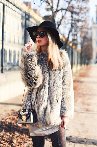 Holiday Look - Bag, Weeken, Sunglasses, Weeken, Black hat, Weeken, Coat, Weeken, BODYSUIT, Weeken, Caroline Louis