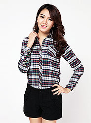 Long-sleeved plaid shirt